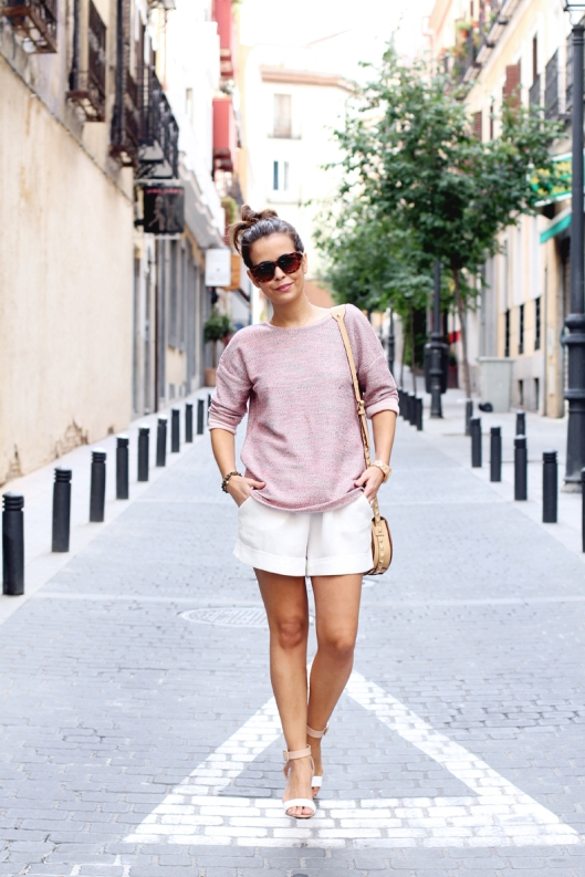 Open_Back_Sweater-White_Shorts-Rebecca_Minkoff_Bag-Street_Style-Outfit-12-4